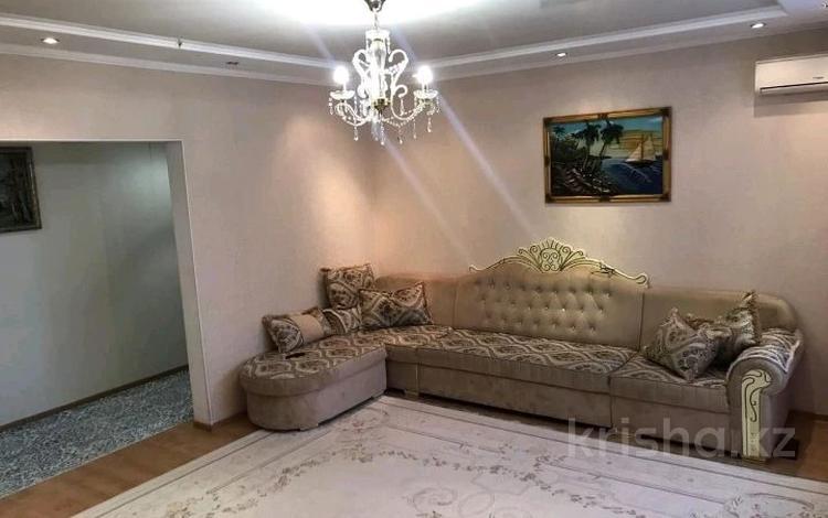 2-комнатная квартира, 88.7 м², 3/5 этаж, проспект Алии Молдагуловой 36Бк4 за 18.8 млн 〒 в Актобе, мкр. Батыс-2