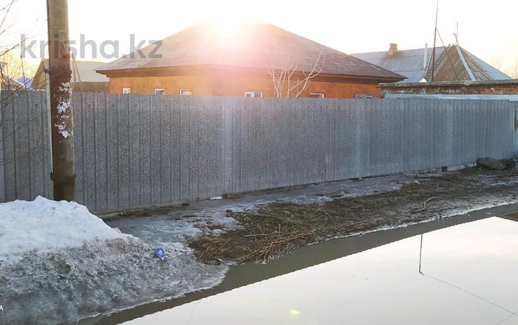 4-комнатный дом, 60 м², 6 сот., Баллистическая 15 за 7.5 млн 〒 в Усть-Каменогорске