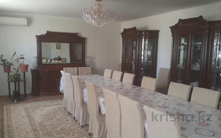 6-комнатный дом, 235 м², 10 сот., Приозёрный-3 166 за 40 млн 〒 в Актау