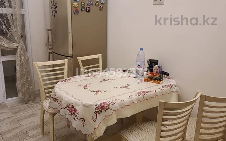 1-комнатная квартира, 55 м², 3/25 этаж посуточно, Аманжолова 28/2 за 13 000 〒 в Нур-Султане (Астана)