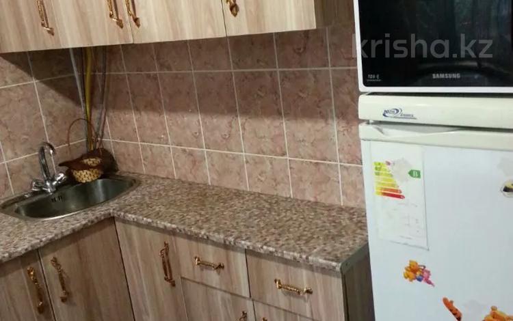 3-комнатная квартира, 70 м², 2/5 этаж посуточно, Б.Момышулы 17 — Г.Иляева за 8 000 〒 в Шымкенте