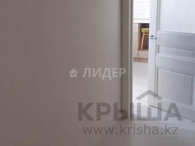 1-комнатная квартира, 45 м², 3/9 этаж помесячно, Туркестан 30 — проспект Мангилик Ел за 90 000 〒 в Нур-Султане (Астана), Есиль р-н — фото 8