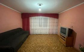 2-комнатная квартира, 54 м², 2/9 этаж помесячно, Жанасемейская улица за 60 000 〒 в Семее