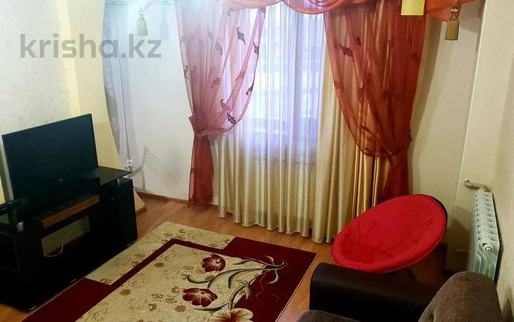 2-комнатная квартира, 56 м², 6/9 этаж посуточно, Мега Тауке Хана 29 — Кунаева за 9 000 〒 в Шымкенте, Аль-Фарабийский р-н