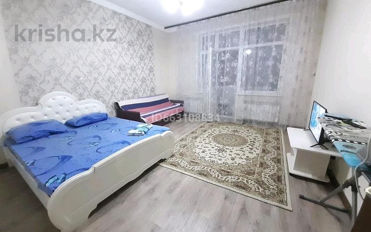 1-комнатная квартира, 48 м² по часам, Мәңгілік Ел 53 — Улы Дала за 1 500 〒 в Нур-Султане (Астана), Есиль р-н