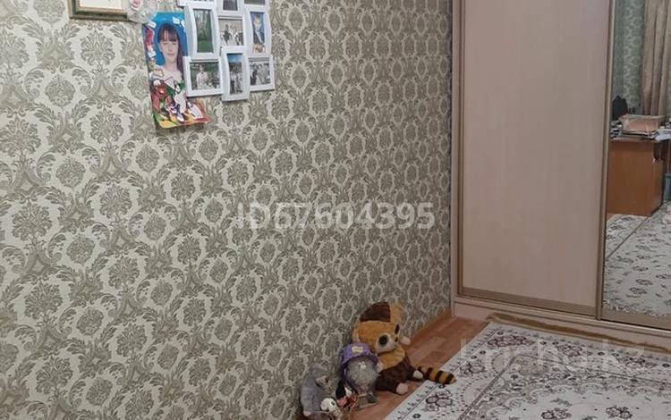3-комнатная квартира, 56.9 м², 1/5 этаж, Алиханова 30/2 за 14.5 млн 〒 в Караганде, Казыбек би р-н