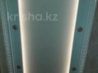 "1-комнатная квартира, 52 м², 1/5 этаж посуточно, Мкр ""Каратал"" 17 за 15 000 〒 в Талдыкоргане — фото 8"