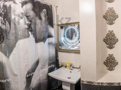 "1-комнатная квартира, 52 м², 1/5 этаж посуточно, Мкр ""Каратал"" 17 за 15 000 〒 в Талдыкоргане — фото 6"