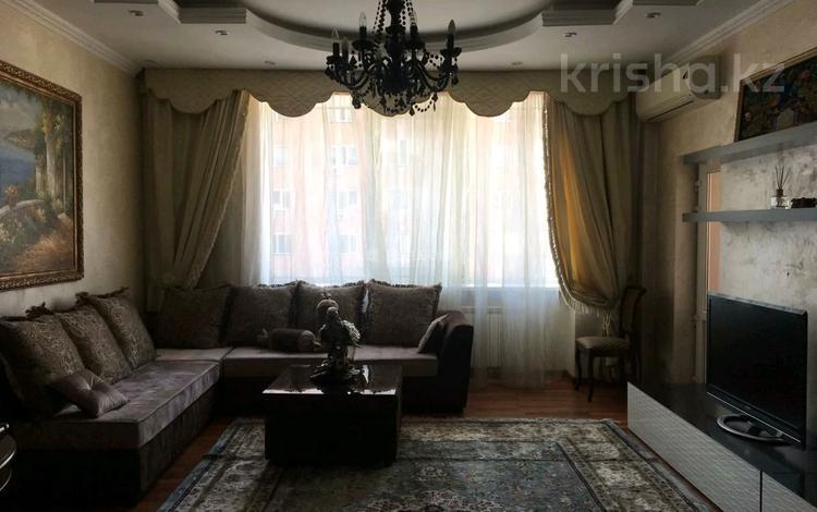 4-комнатная квартира, 150 м² помесячно, мкр Самал-1 29 за 390 000 〒 в Алматы, Медеуский р-н