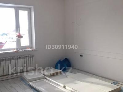 7-комнатный дом, 242 м², 10 сот., Мкр Уркер за 70 млн 〒 в Нур-Султане (Астана), Есиль р-н — фото 2