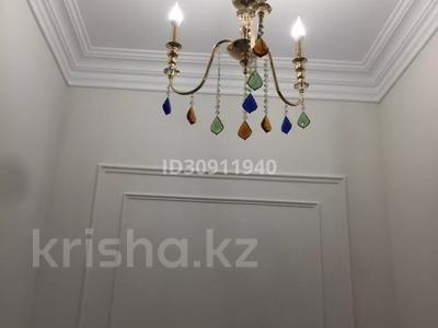 7-комнатный дом, 242 м², 10 сот., Мкр Уркер за 70 млн 〒 в Нур-Султане (Астана), Есиль р-н — фото 15