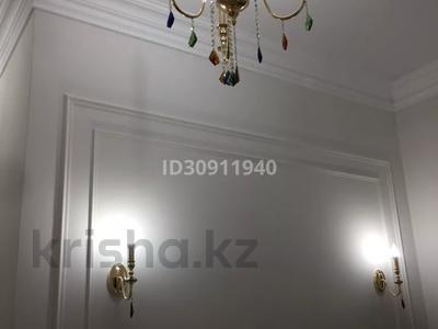 7-комнатный дом, 242 м², 10 сот., Мкр Уркер за 70 млн 〒 в Нур-Султане (Астана), Есиль р-н — фото 16