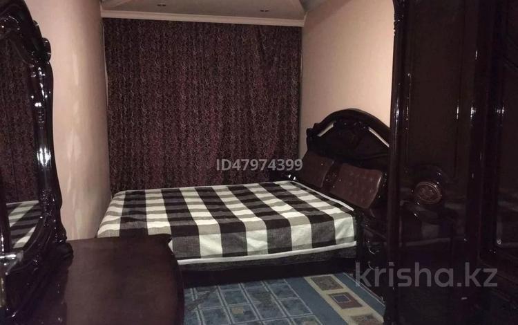 1-комнатная квартира, 33 м² по часам, мкр №4 7 — Абая - Алтынсарина за 1 000 〒 в Алматы, Ауэзовский р-н