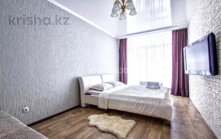 1-комнатная квартира, 45 м², 3/9 этаж посуточно, Мангилик ел 51 — Улы Дала за 10 000 〒 в Нур-Султане (Астана), Есиль р-н