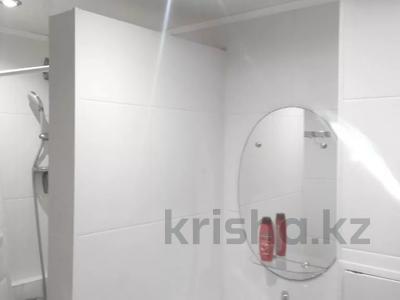 2-комнатная квартира, 60 м² посуточно, 4 микрорайон 31 за 10 000 〒 в Уральске — фото 10
