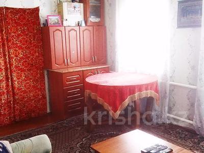 5-комнатный дом, 80 м², 9 сот., Серова за 6 млн 〒 в Караганде, Октябрьский р-н