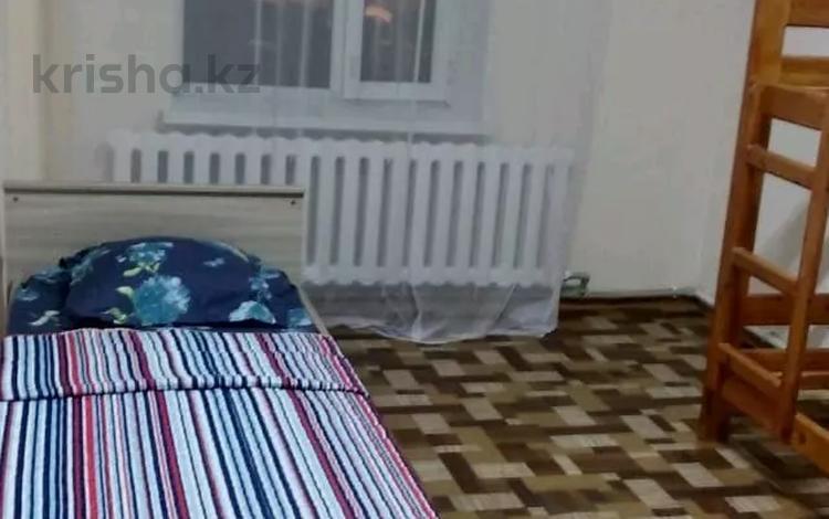 9-комнатный дом помесячно, 400 м², Борис Ерзакович 26 за 1 млн 〒 в Нур-Султане (Астана), Сарыарка р-н