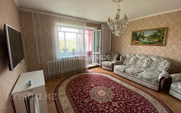 3-комнатная квартира, 64 м², 4/5 этаж помесячно, мкр Юго-Восток, Степной 2 за 120 000 〒 в Караганде, Казыбек би р-н