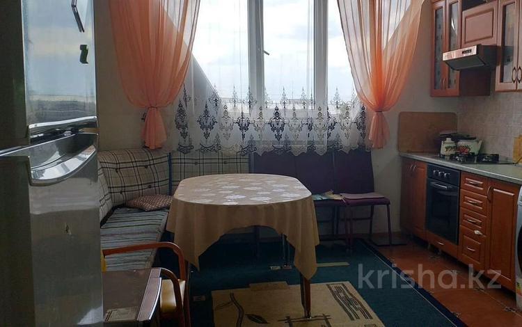 2-комнатная квартира, 62 м², 9/9 этаж, мкр Аксай-4, Улугбека (Домостроительная) — Бауыржана Момышулы за 18.6 млн 〒 в Алматы, Ауэзовский р-н