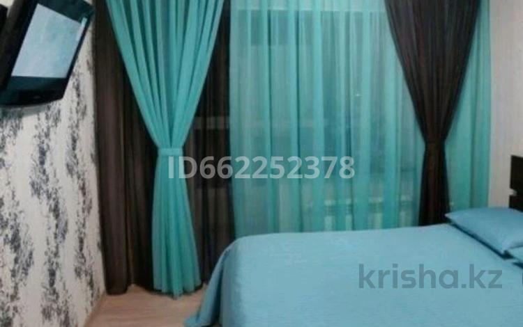 1-комнатная квартира, 57 м² посуточно, Нур-Султан (Астана) за 9 000 〒