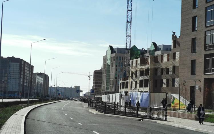 3-комнатная квартира, 94 м², 4/9 этаж, 22-4 улица 3 за ~ 27.5 млн 〒 в Нур-Султане (Астана), Есиль р-н