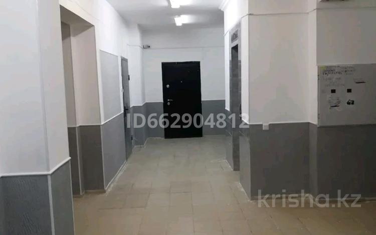 2-комнатная квартира, 72 м², 5/9 этаж, Айтматова 36/2 за 20.3 млн 〒 в Нур-Султане (Астана), Есиль р-н