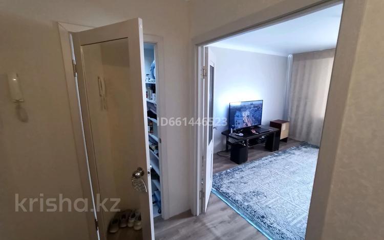 1-комнатная квартира, 40.4 м², 1/5 этаж, мкр Майкудук, Голубые пруды 16 за 10.5 млн 〒 в Караганде, Октябрьский р-н