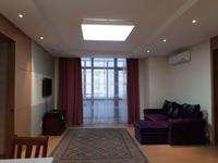 3-комнатная квартира, 95 м², 6/20 этаж на длительный срок, Байтурсынова за 250 000 〒 в Нур-Султане (Астане)