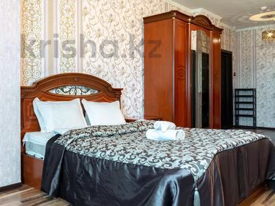 1-комнатная квартира, 60 м², 38/41 этаж посуточно, Достык 5/1 — Сауран за 10 000 〒 в Нур-Султане (Астана) — фото 2