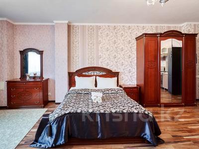 1-комнатная квартира, 60 м², 38/41 этаж посуточно, Достык 5/1 — Сауран за 10 000 〒 в Нур-Султане (Астана)