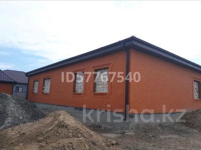 6-комнатный дом, 220 м², 8 сот., мкр Самал, 28-й мкр 29 за 30 млн 〒 в Атырау, мкр Самал — фото 2