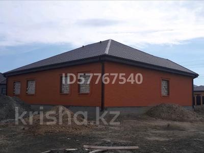 6-комнатный дом, 220 м², 8 сот., мкр Самал, 28-й мкр 29 за 30 млн 〒 в Атырау, мкр Самал — фото 3