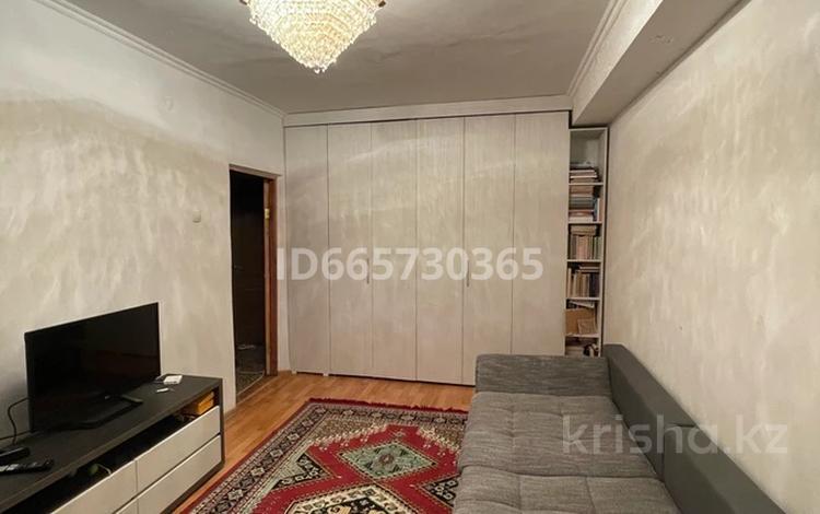 2-комнатная квартира, 55 м², 2/5 этаж, Иляева — Рыскулбекова за 17 млн 〒 в Шымкенте, Аль-Фарабийский р-н