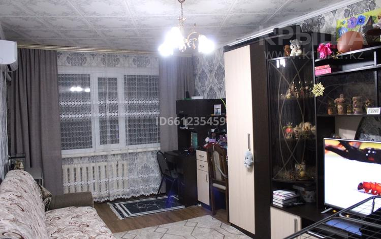 1-комнатная квартира, 31 м², 1/5 этаж, мкр Майкудук, 19й микрорайон 51 за ~ 6.8 млн 〒 в Караганде, Октябрьский р-н
