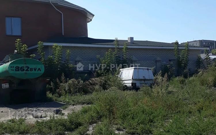 Участок 14 соток, улица Дулатова за 25 млн 〒 в Семее