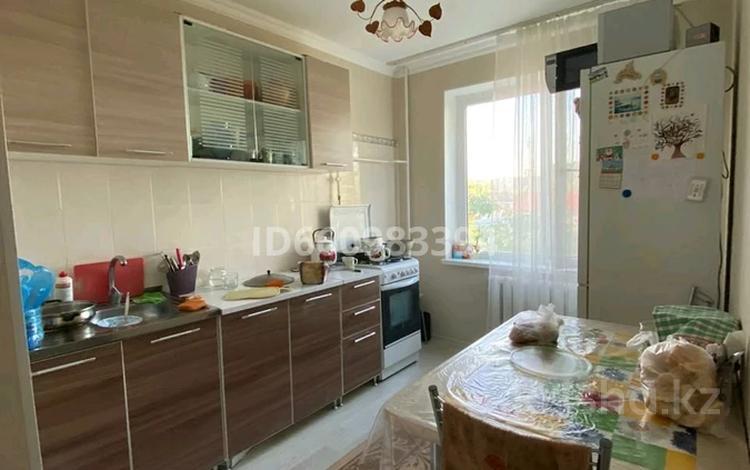 3-комнатная квартира, 68 м², 3/9 этаж, Сазды 45 за 16 млн 〒 в Актобе, Старый город