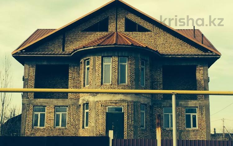 10-комнатный дом, 555 м², 8.5 сот., мкр Айгерим-1, Байтурсынова 10 за 78 млн 〒 в Алматы, Алатауский р-н