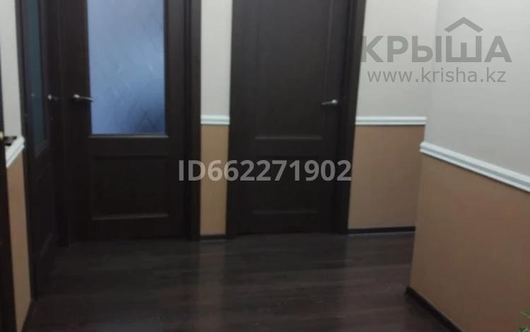 2-комнатная квартира, 93 м², 4/6 этаж, 15-й мкр 62 за 19.5 млн 〒 в Актау, 15-й мкр