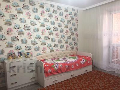 3-комнатная квартира, 77 м², 8/10 этаж, Акан Серэ 40 — Женис за 24.5 млн 〒 в Кокшетау — фото 8