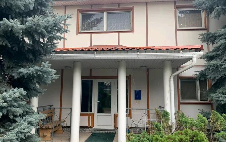 5-комнатный дом поквартально, 300 м², 6 сот., Жайлы 39 за 350 000 〒 в Алматы, Бостандыкский р-н