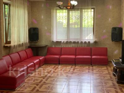 5-комнатный дом посуточно, 250 м², 8 сот., Ашимова 124 — Елибаева за 60 000 〒 в Алматы, Наурызбайский р-н — фото 12