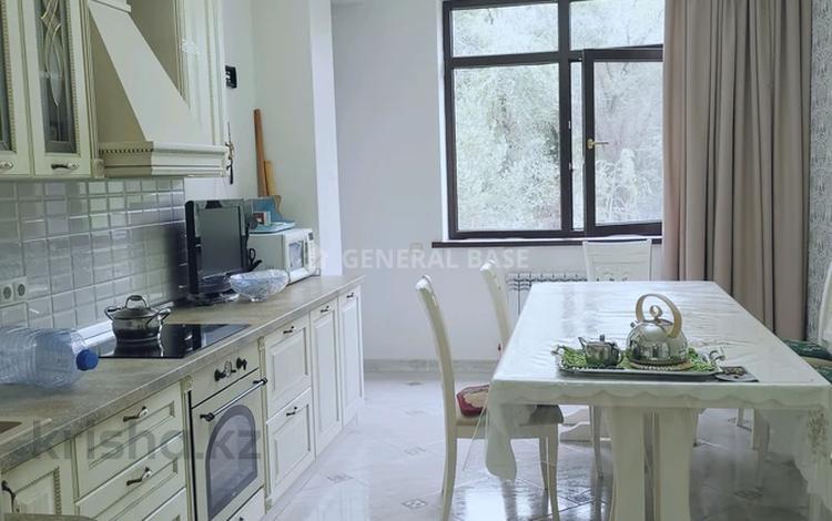 3-комнатная квартира, 130 м², 2/6 этаж помесячно, Мади 1б/1-12 за 450 000 〒 в Алматы, Бостандыкский р-н