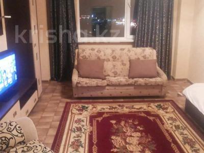 1-комнатная квартира, 45 м², 7/18 этаж посуточно, Сарайшык 7/1 — Акмешит за 8 000 〒 в Нур-Султане (Астана)