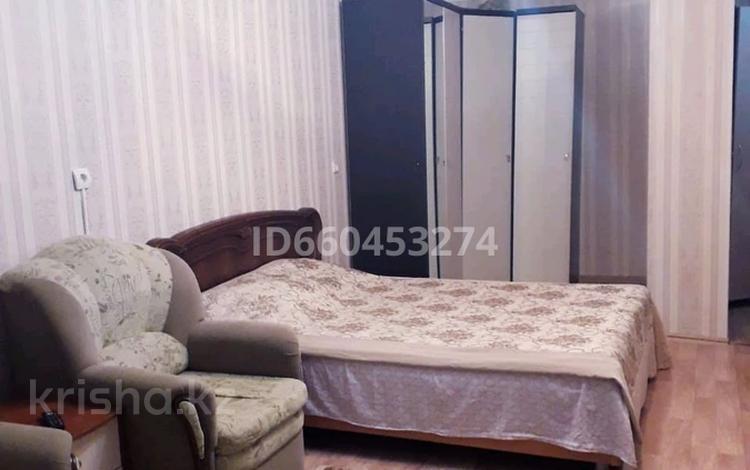 1-комнатная квартира, 55 м² по часам, 28-й микрорайон 4 за 800 〒 в Актау