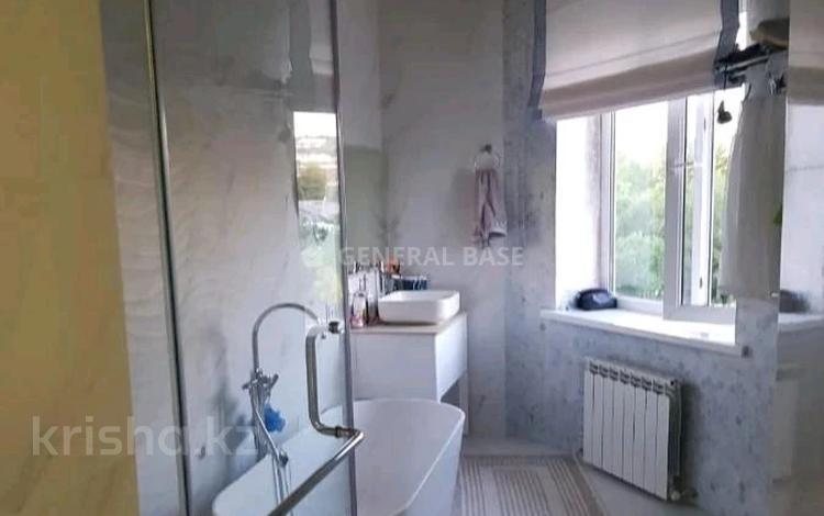 7-комнатный дом помесячно, 520 м², 18 сот., мкр Каменское плато за 1.5 млн 〒 в Алматы, Медеуский р-н
