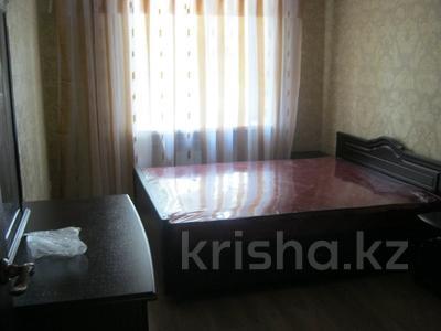 3-комнатная квартира, 65 м², 2 этаж помесячно, Республики — Айбергенова за 80 000 〒 в Шымкенте
