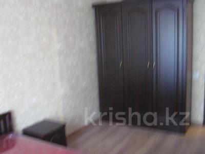 3-комнатная квартира, 65 м², 2 этаж помесячно, Республики — Айбергенова за 80 000 〒 в Шымкенте — фото 2