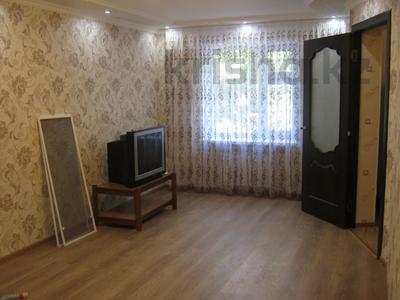 3-комнатная квартира, 65 м², 2 этаж помесячно, Республики — Айбергенова за 80 000 〒 в Шымкенте — фото 6
