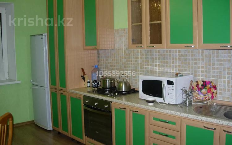 2-комнатная квартира, 63 м², 2/6 этаж, Адмирал Льва Владимирского за 25.5 млн 〒 в Атырау