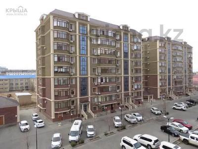 2-комнатная квартира, 80 м², 3/9 этаж помесячно, Шохана Уалиханова 21 за 250 000 〒 в Атырау — фото 11